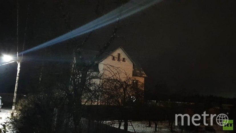 """Дом в Ленобласти. Фото https://russian.rt.com , """"Metro"""""""