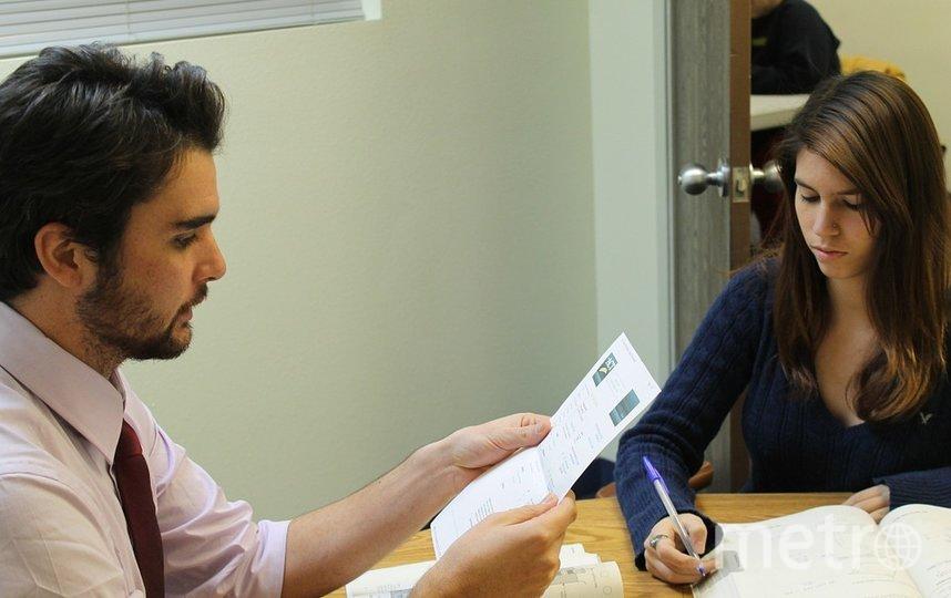 """Чтобы официально стать самозанятым и начать платить налоги, положенные по закону, нужно подать заявку в Интернете. Фото https://pixabay.com, """"Metro"""""""