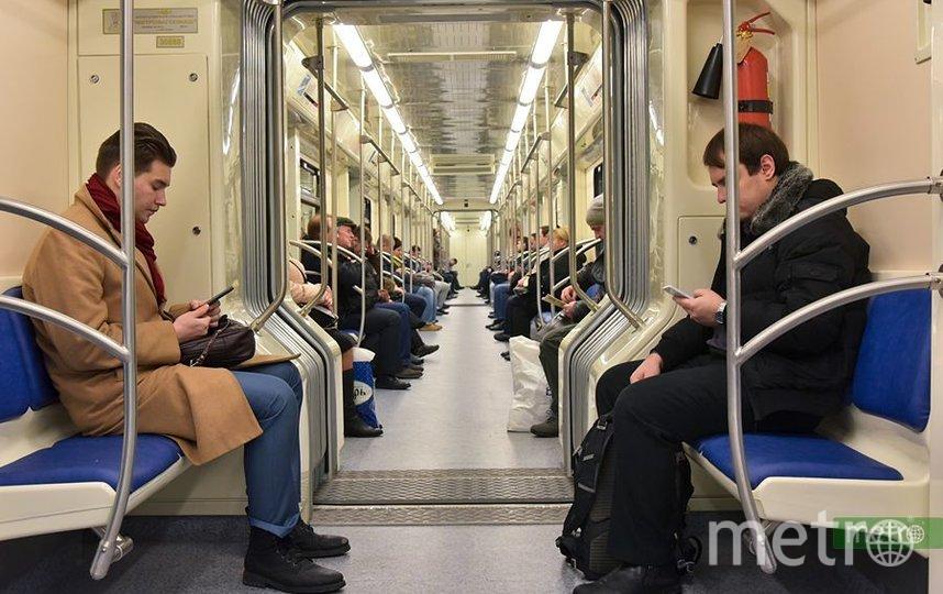 Движение поездов на зеленой ветке метро в Москве ввели в график после сбоя. Фото Василий Кузьмичёнок