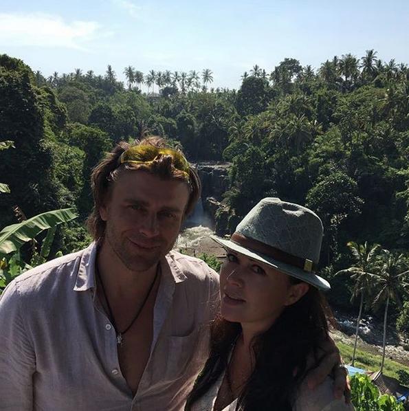 Анастасия Заворотнюк и Пётр Чернышёв. Фото скриншот: instagram.com/a_zavorotnyuk/