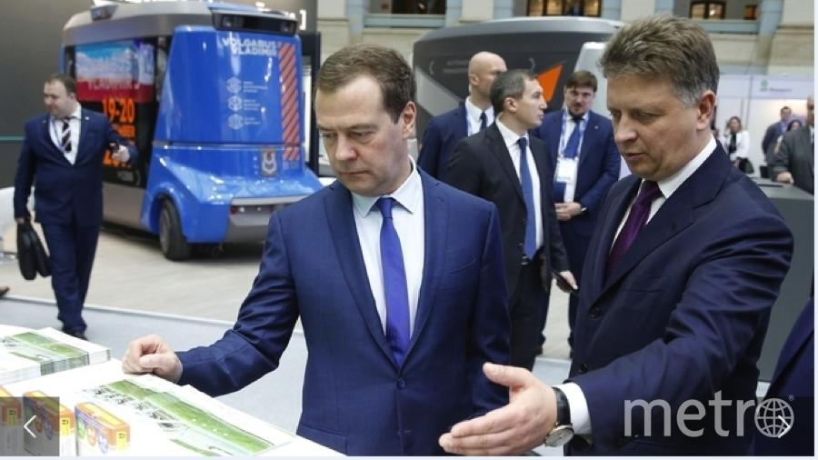 "Максим Соколов и Дмитрий Медведев. Фото http://government.ru/, ""Metro"""