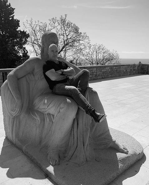 Тилль Линдеманн. Фото скриншот: instagram.com/till_lindemann_official/