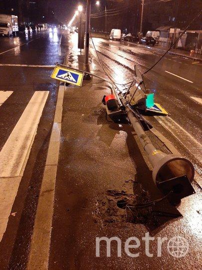 "Фото последствий урагана в Петербурге. Фото https://t.me/Megapolisonline, ""Metro"""