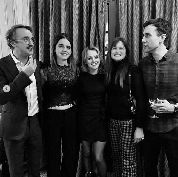 """Актёры """"Гарри Поттера"""" отметили приближающееся Рождество вместе. Фото скриншот: instagram.com/t22felton/"""