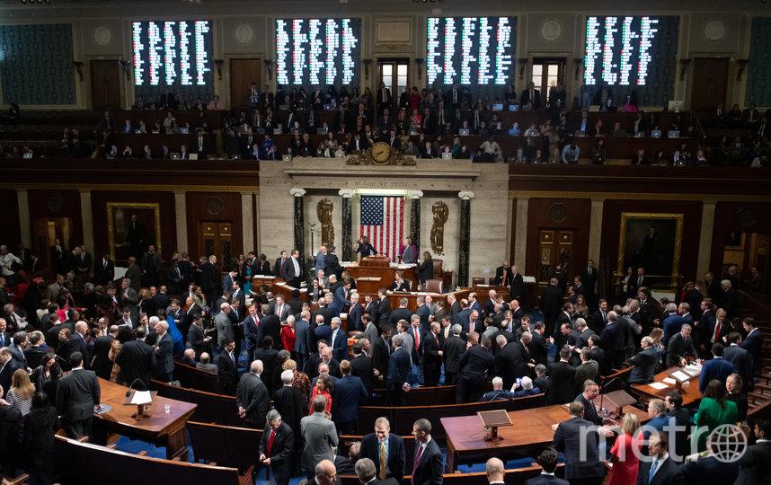Дебаты перед голосованием длились 10 часов. Фото AFP