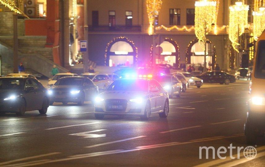 По предварительным данным, спецслужбы квалифицируют происшествие у здания ФСБ как теракт. Фото Василий Кузьмичёнок