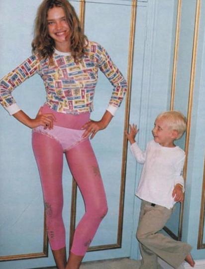 Наталья Водянова поздравила старшего сына с днём рождения и поделилась архивным фото. Фото скриншот @natasupernova