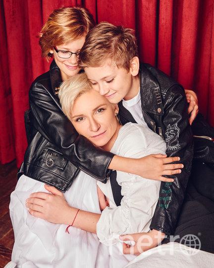 Диана Арбенина с детьми. Фото предоставил агент Арбениной