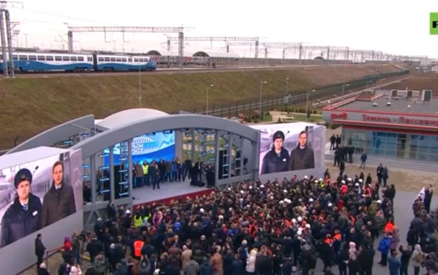 Начальник поезда докладывал Путину, и поезд ушел без него. Фото Скриншот Youtube