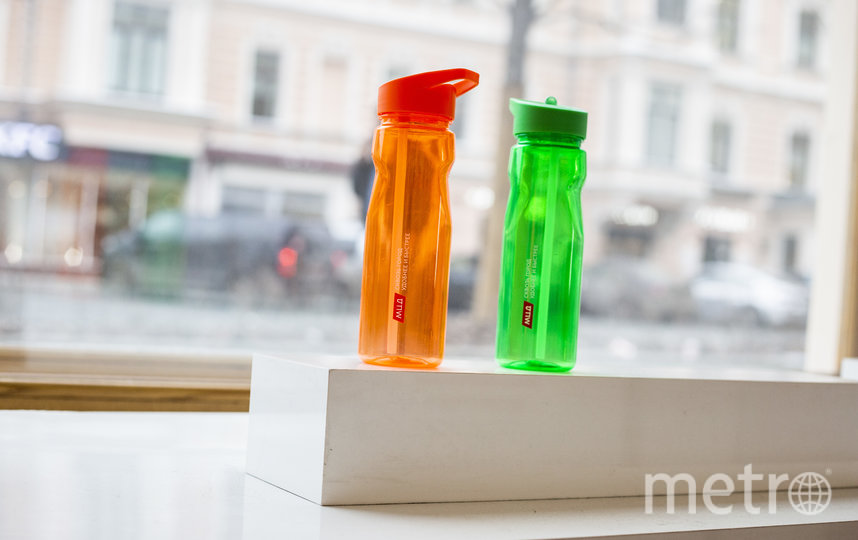 """Бутылки для воды. Фото предоставлено пресс-службой диаметров, """"Metro"""""""