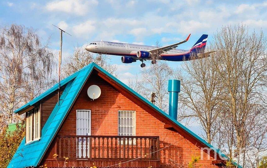 В Роспотребнадзор часто обращаются жители Москвы и области, недовольные шумом пролетающих над их домами самолётов. Фото instagram @mitinogorsk
