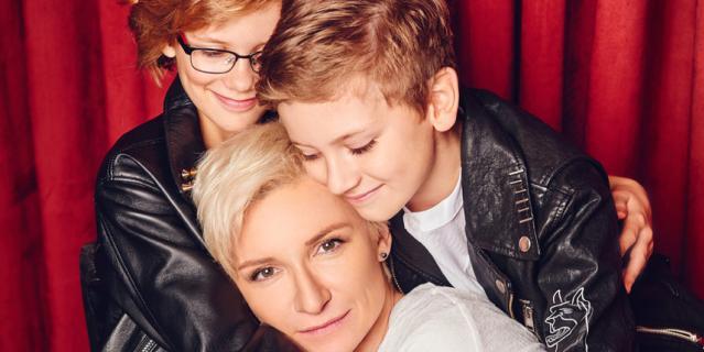 """Диана Арбенина, певица, лидер рок-группы """"Ночные Снайперы"""", мама двойняшек Артема и Марты (10 лет)."""