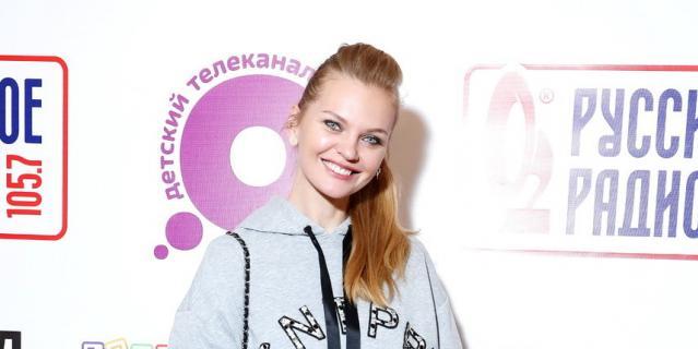 Елена Кулецкая, модель, телеведущая, мама двух дочек: Ники (3 года) и Саша (1,8 года).