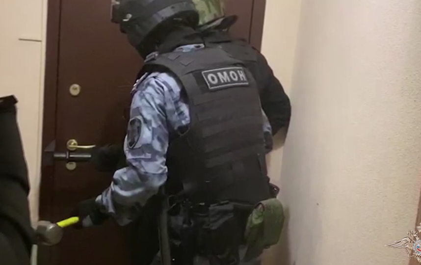 Задержаны подозреваемые в незаконном обороте икры. Фото скриншот видео МВД