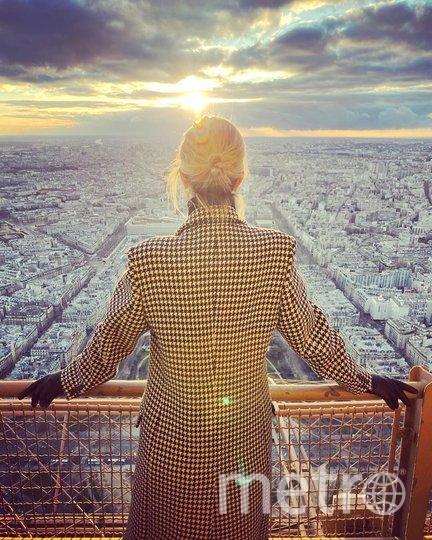 "Иванка Трамп в Париже. Фото https://www.instagram.com/p/B6fcAqqBA6D/, ""Metro"""