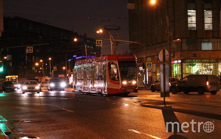 """Трамваи """"призывают"""" новогоднюю погоду в город. Фото СПб ГУП «Горэлектротранс»,, Предоставлено организаторами"""