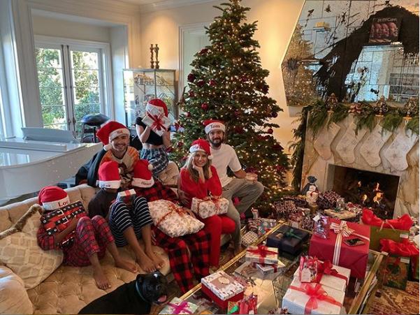 Хайди Клум устроила пижамную вечеринку. Фото скриншот instagram.com/heidiklum/
