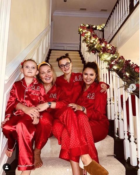 Милли Бобби Браун отмечала праздник с родными. Фото скриншот instagram.com/milliebobbybrown/?hl=ru