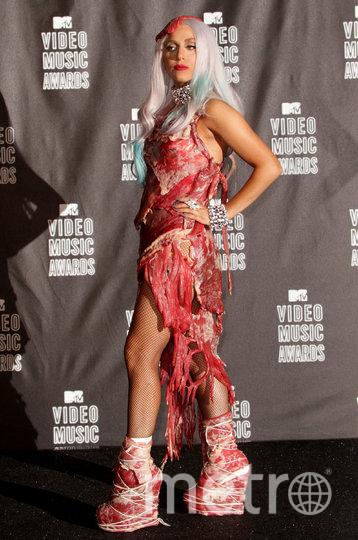 Леди Гага в мясном платье. Фото Getty