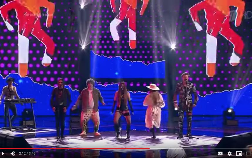 """Антон Токарев, Рагда Ханиева и группа Little Big. Фото скриншот с официальной страницы шоу """"Голос"""" на YouTube"""