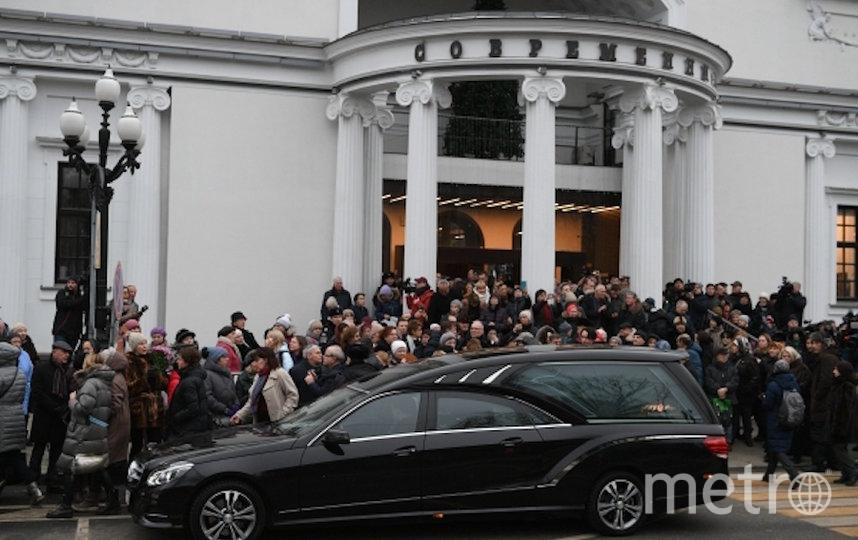 Волчек проводили в последний путь аплодисментами. Фото РИА Новости