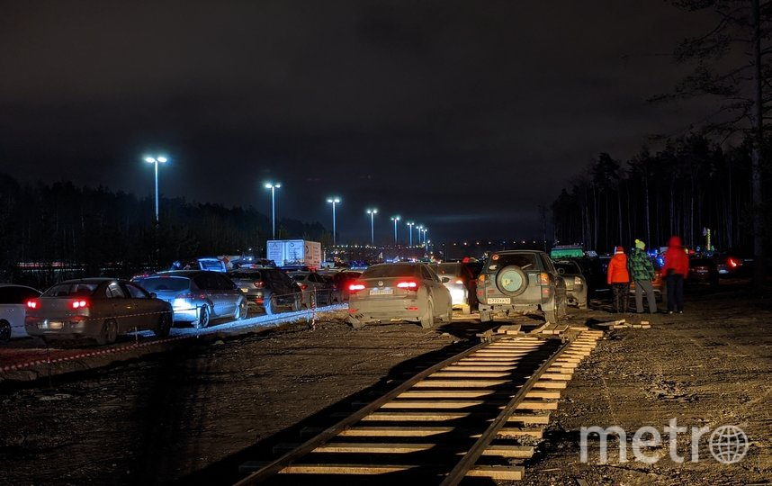 Автоёлка из 527 машин в Петербурге. Фото https://vk.com/avtoelkapiter201920/Федя Космынин