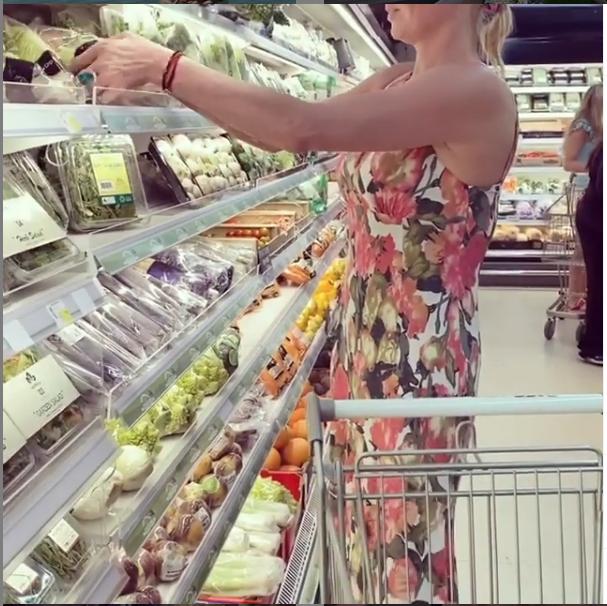 """Волочкова в Таиланде. Фото https://www.instagram.com/volochkova_art/, """"Metro"""""""