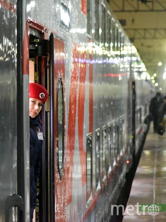 Пассажиров поезда, следующего из Санкт-Петербурга в Архангельск, эвакуировали ночью из-за угрозы минирования состава. Архивное фото. Фото Василий Кузьмичёнок