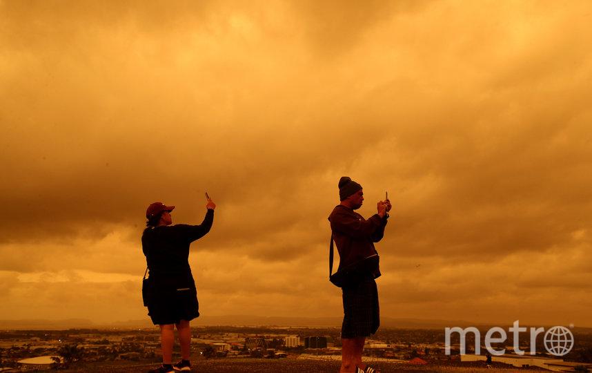 Небо Окленда окрасилось в оранжевый цвет. Фото Getty