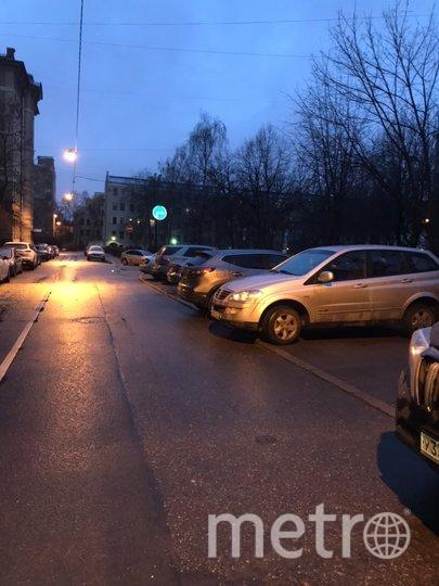 """В Петербурге активисты """"отвоевали тротуар"""" на центральной улице города. Фото mytndvor, vk.com"""