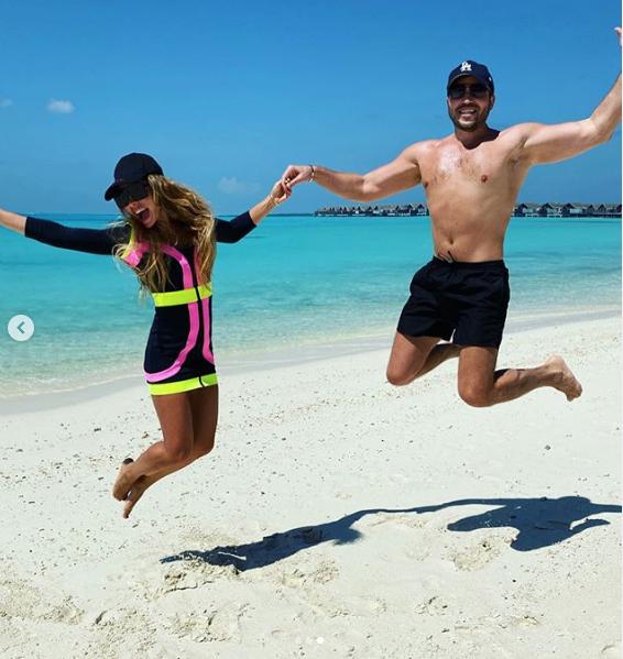Александр Ревва с женой Анжеликой на Мальдивах. Фото скриншот instagram.com/angelikarevva/?hl=ru