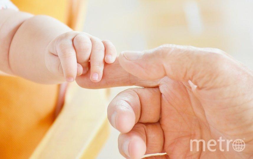 В декабре в подъезде одного из домов в Мытищах в коробке была найдена новорождённая девочка. Фото Pixabay