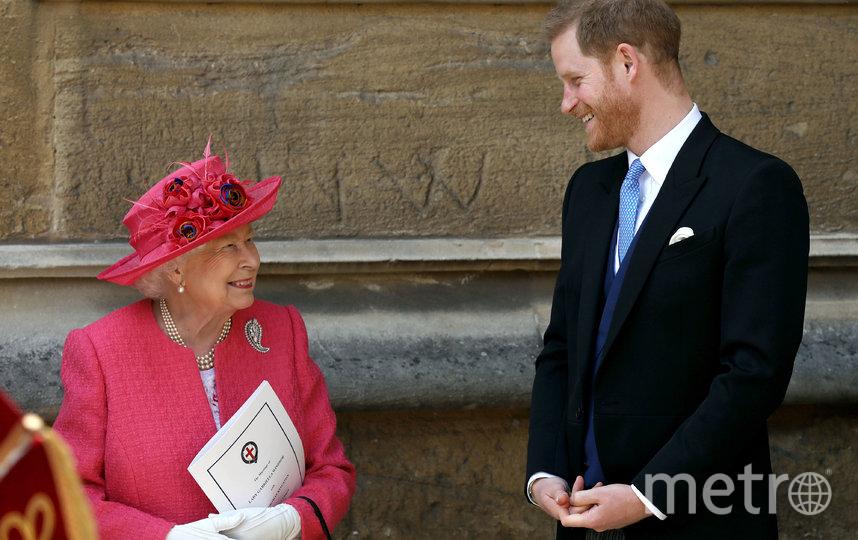Королева Елизавета II с принцем Гарри. Фото Getty