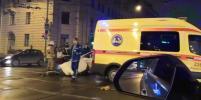 В ДТП с машиной скорой помощи в Петербурге пострадала женщина