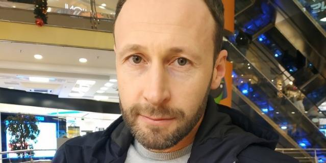 Илья, предприниматель, 40 лет.