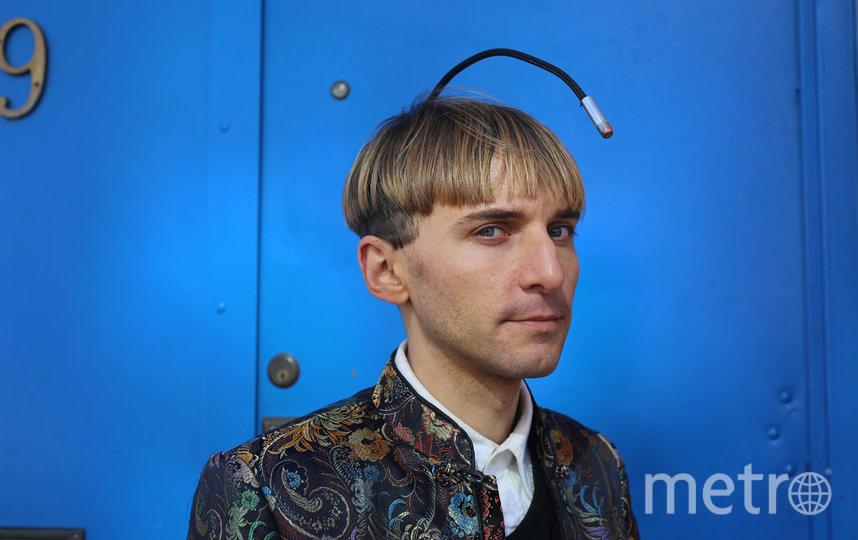Участник ассамблеи Нил Харбиссон вживил себе в голову антенну. Фото Ларс Норгаард