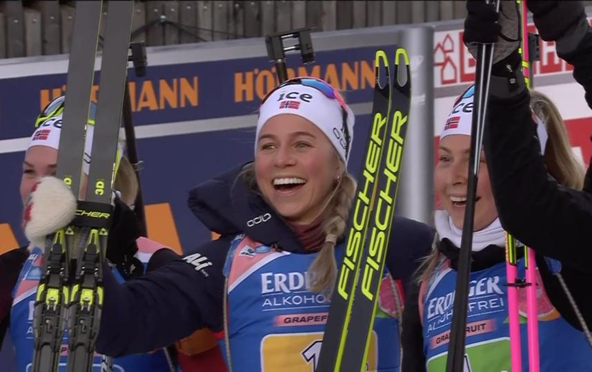 Женская сборная Норвегии выиграла эстафету в Рупольдинге. Фото Скриншот @biathlontv
