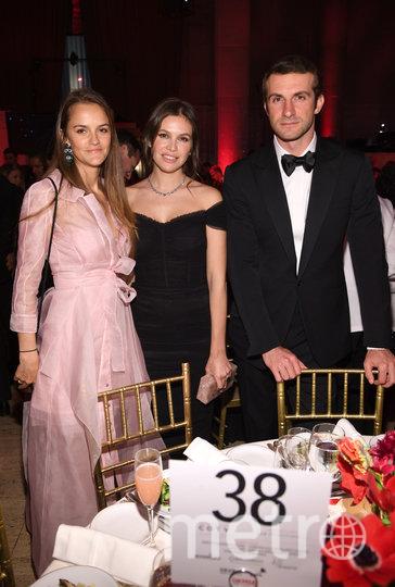 Дарья (в центре) и Ставрос. Фото Getty