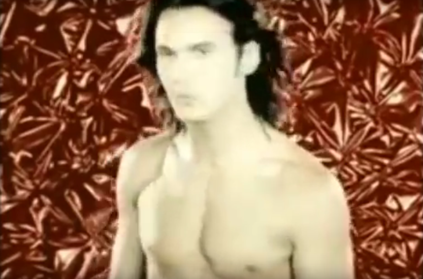 Влад Сташевский, кадр из клипа. Фото Все - скриншот YouTube