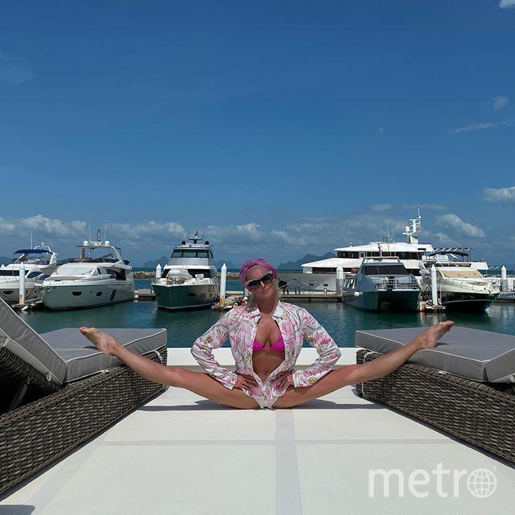 """Знаменитый """"Шпагат Волочковой"""" балерина делает в самых неожиданных местах. Фото instagram.com/volochkova_art"""