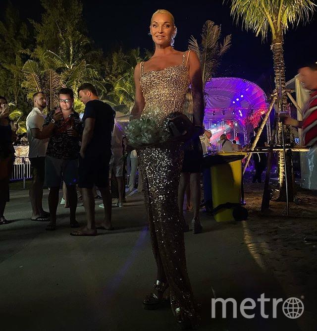 Балерина демонстрировала и элегантные наряды. Фото instagram.com/volochkova_art