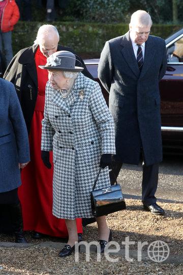 Елизавета II держалась непринуждённо на публике (принц Эндрю справа). Фото Getty