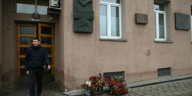 Тот самый второй подъезд, где живут актёры Геннадий Хазанов и Леонид Куравлёв.