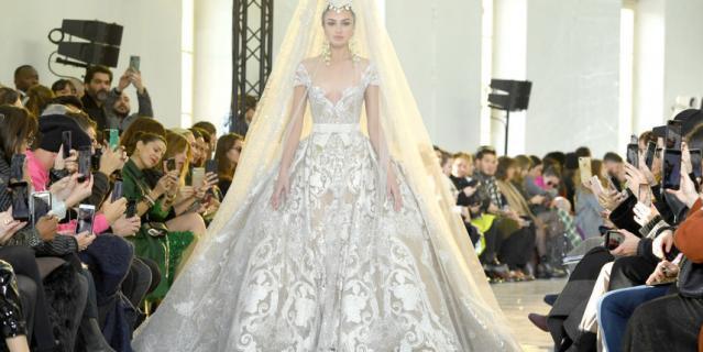Показ Elie Saab на Неделе высокой моды в Париже.