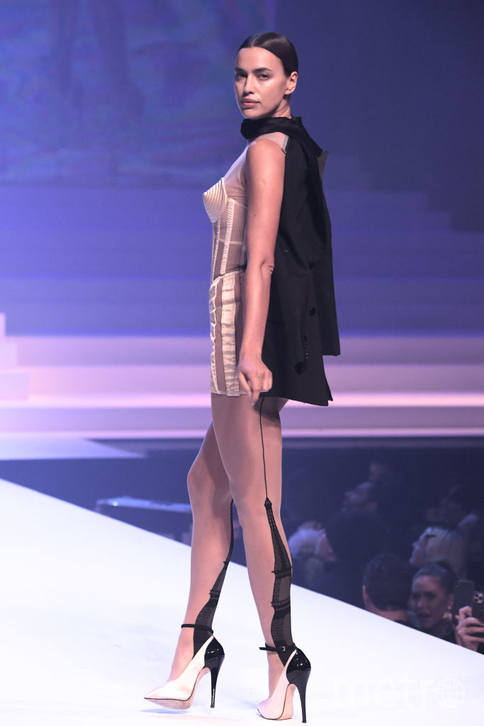 Ирина Шейк на показе Жана-Поля Готье. Фото Getty