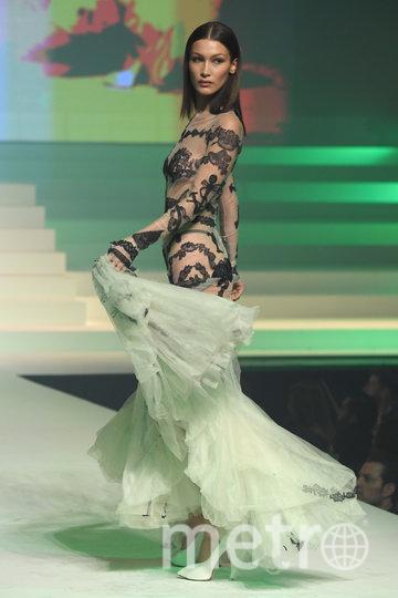 Белла Хадид на показе Готье. Фото Getty
