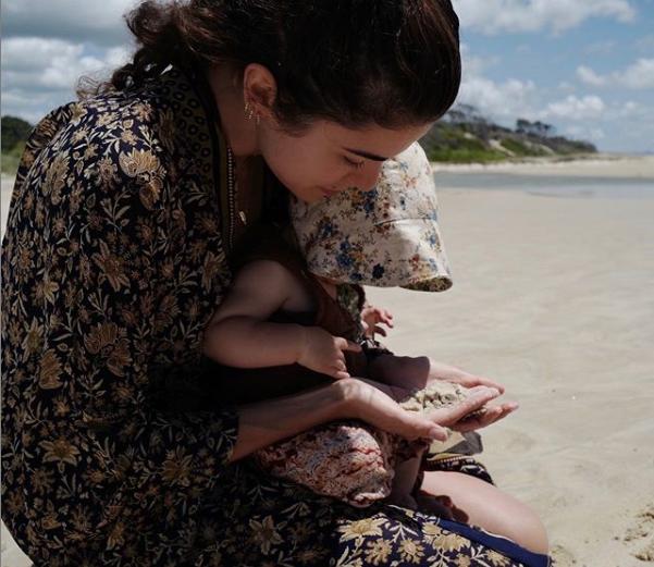 Никки Рид с дочкой. Фото криншот instagram.com/nikkireed/
