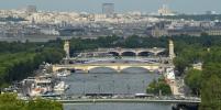 В Париже наградили россиянина, который спас тонувшего в Сене человека
