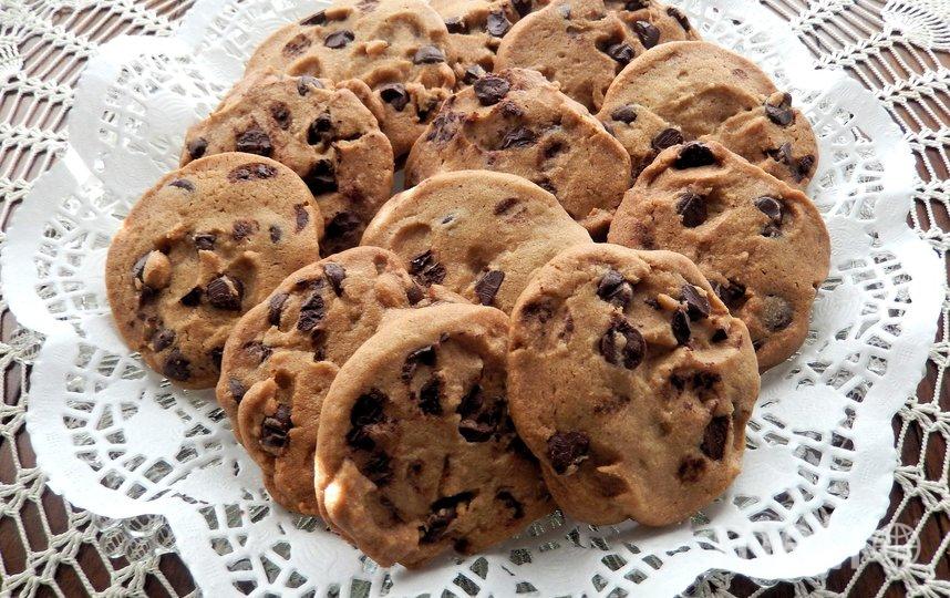 Астронавты Кристина Кох и Лука Пармитано впервые в истории приготовили шоколадные печенья в космосе. Архивное фото. Фото pixabay.com