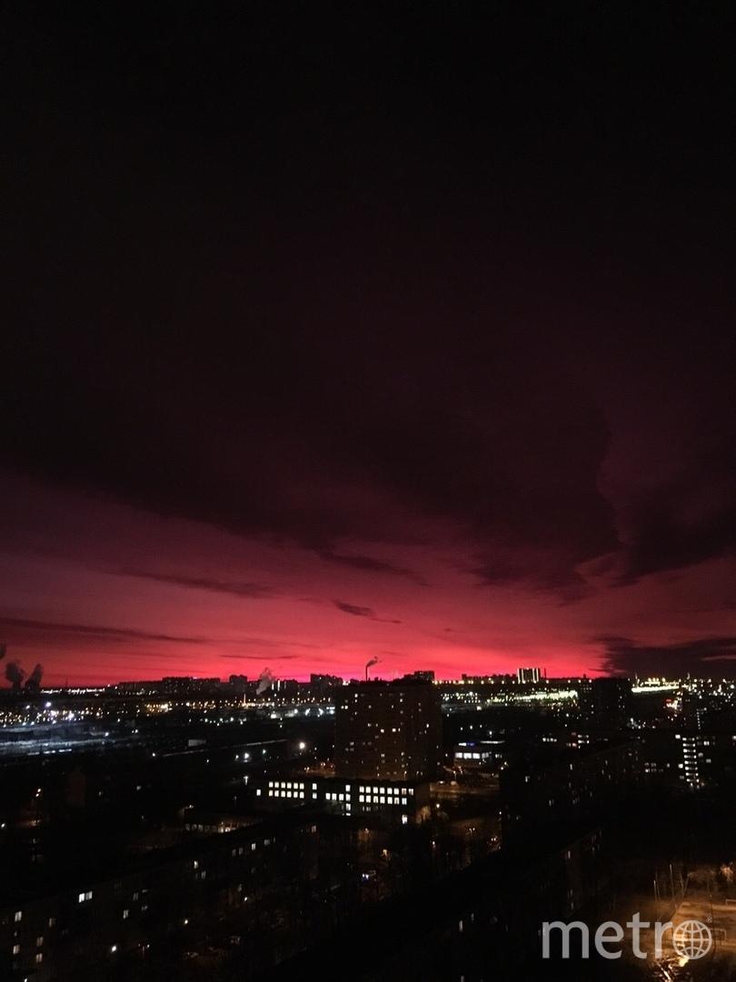 "Фото: ""ДТП и ЧП / Санкт-Петербург"". Фото vk.com/spb_today, vk.com"